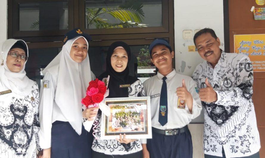 Hari Guru di SMP Negeri 10 Surabaya