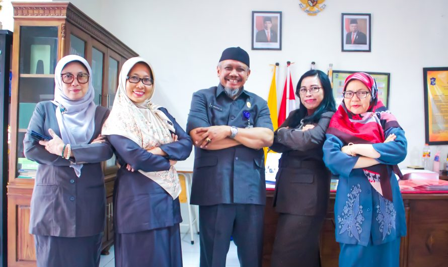 Kunjungan Beberapa Kepala Sekolah SMP Negeri Surabaya Dalam Rangka 'Sinau Bareng' Microsoft Office 365 di SMPN 10 Surabaya