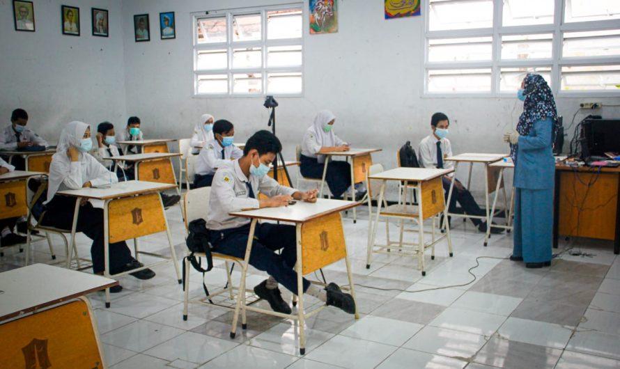 """Simulasi Pembelajaran Tatap Muka, SMPN 10 Surabaya Terapkan """"Blended Learning"""""""